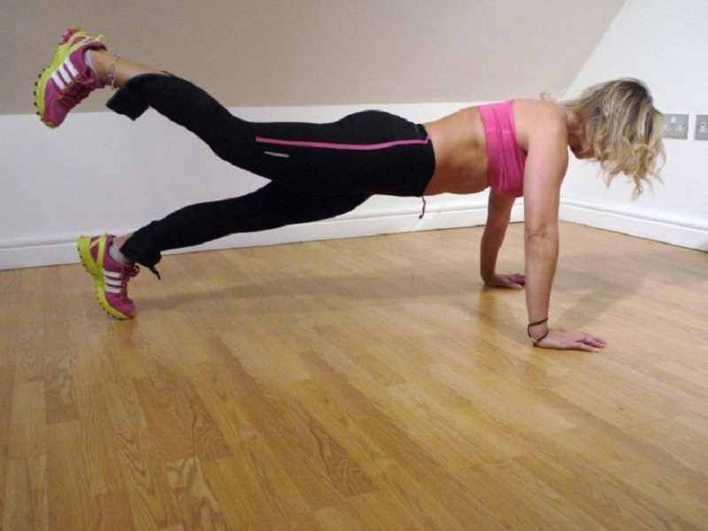 Push-ups with one raised leg