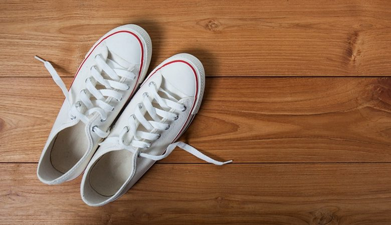 How To Whiten White Sneakers At Home From Yellowness?