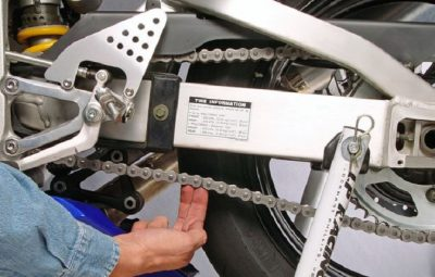 How to adjust motorcycle chain