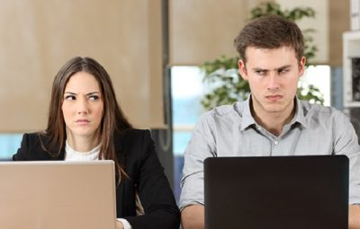 how to spot a bad coworker