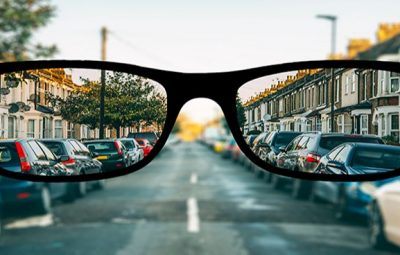 how does someone with myopia see